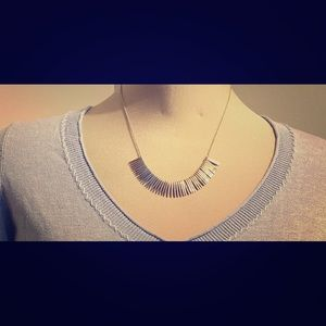 Short silver spike necklace